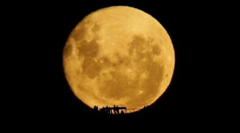 Полная Луна. Хоть бы раз такое увидеть! Фото