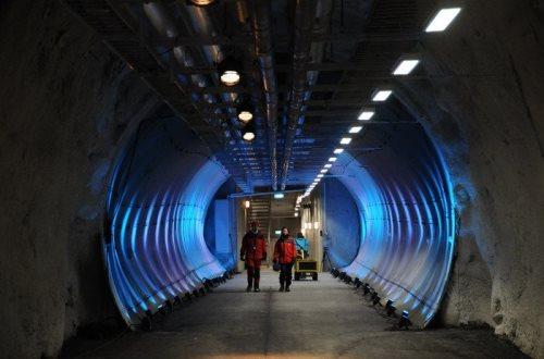 Всемирное хранилище во льдах Шпицбергена закрывает свои двери. Фото